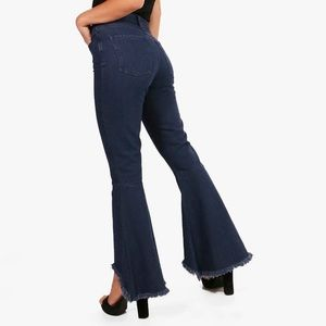 NWT BOOHOO Petite Claire Flare Jeans 6 Dark
